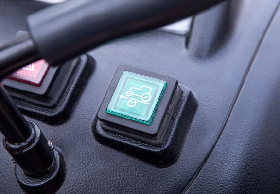HST versjonen kommer også med cruisekontroll som aktiveres med et knappetrykk